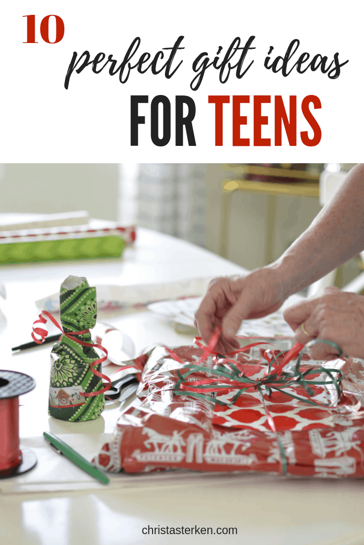 10 perfect gift ideas for teens #giftguide #christmas #giftsforteens